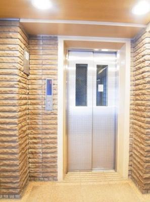 ジェイパーク三田のエレベーターです