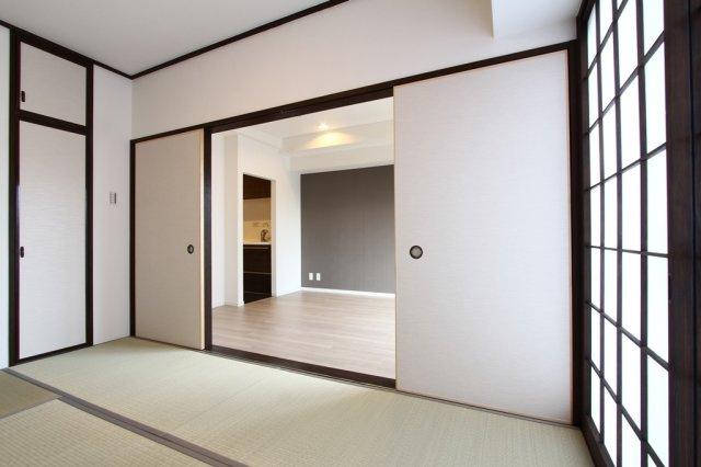 平成4年2月築 3階建ての2階部分にございます。 新規リフォーム済の綺麗な中古マンションです。