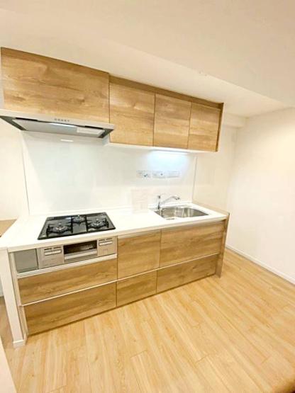 きれいなキッチンです 便利な3口ガスコンロに、大きなシンク!お料理の幅が増えますね!