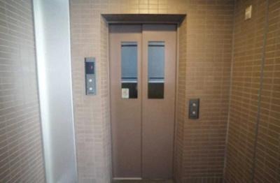クレッセント麻布Ⅱのエレベーターです。