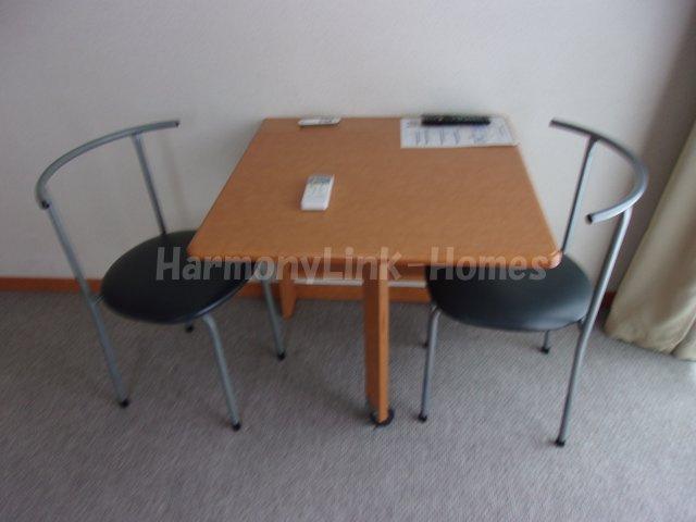 レオパレスサンボーンのテーブル☆