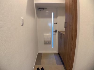 シンプルで使いやすい玄関です。シューズボックスもあります。