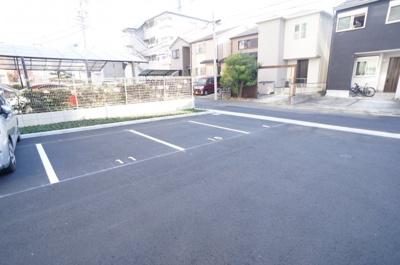 【駐車場】ア ドマーニ