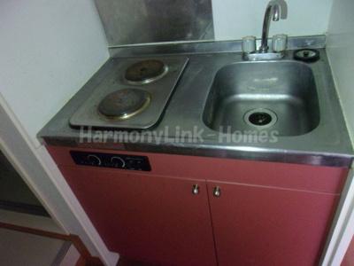 レオパレスウエストヒルのコンパクトなキッチンで掃除もラクラク