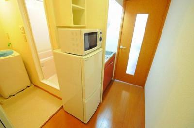 冷蔵庫、電子レンジ。