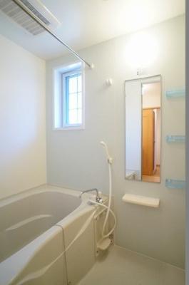 【浴室】クラトキーハウス A