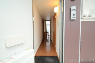 同タイプの物件写真となり、床材異なります。