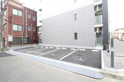 敷地駐車場5台※制限有