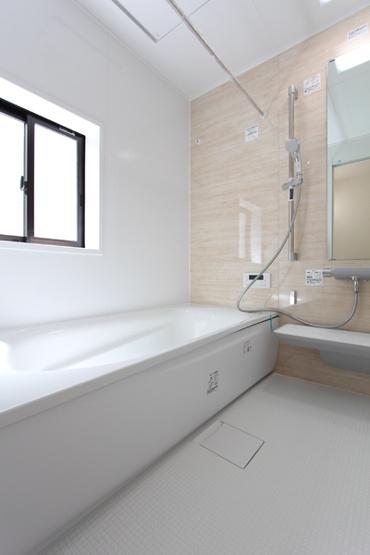 1坪タイプの浴室は、浴室暖房乾燥機付き。