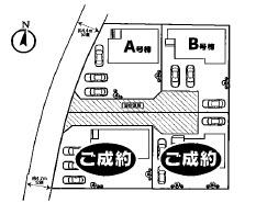 駐車場は3台分のスペースがあります。