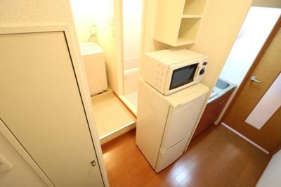 なんと冷蔵庫・電子レンジ、洗濯機まで完備!引越しラクラク!