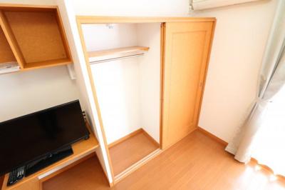 大型収納で整理もラクラク、居室スペースをゆったり使える!