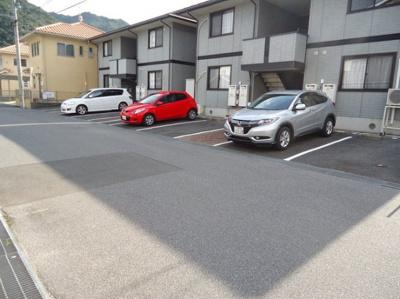 【駐車場】シャルマン Ⅱ棟
