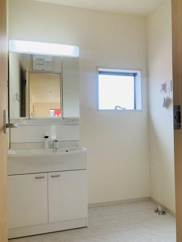 【同仕様施工例】一坪サイズの広々した浴槽で、1日の疲れをゆっくり癒したいですね。
