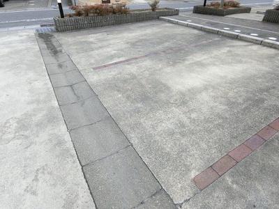 【駐車場】プラーノ川瀬 B