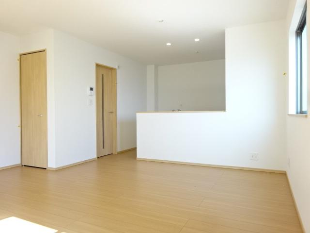 1F:洋室《 同社施工例 》現地見学や詳細は 株式会社レオホーム へお気軽にご連絡下さい。