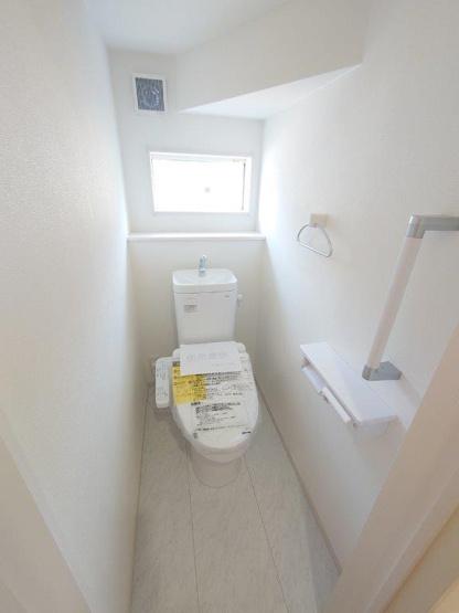 トイレ:1F2F二か所あり《 同社施工例 》現地見学や詳細は 株式会社レオホーム へお気軽にご連絡下さい。