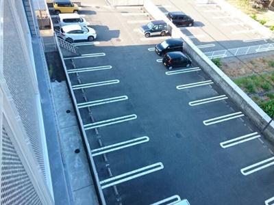 【駐車場】アズゥ-ル