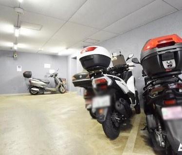 セザール第六赤塚公園のバイク置場です。