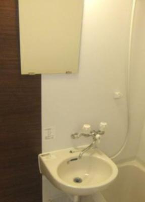 大人気のバストイレ別、洗面台付♪(同一仕様)