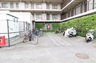 兼バイク置き場