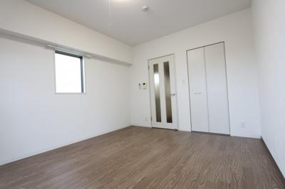 同タイプの反転タイプのお部屋の写真になります。
