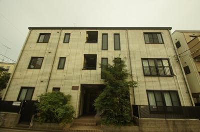 京浜急行本線「川崎大師駅」徒歩13分のマンションです。
