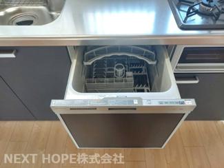 食器洗い乾燥機付きで忙しい奥様の強い味方ですね(^^)