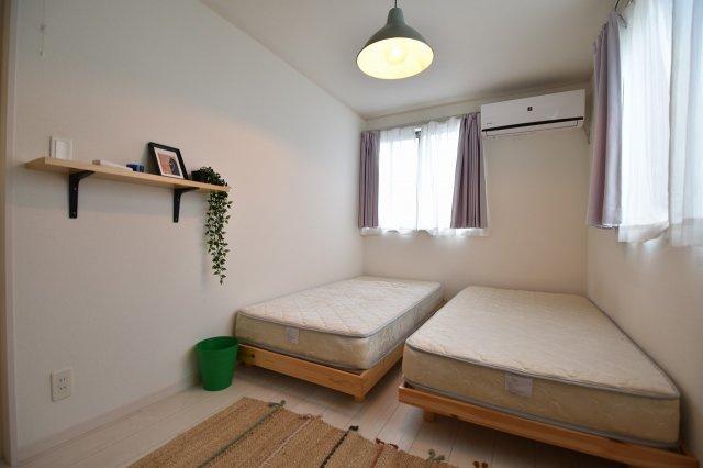 シンプルでモダンなデザインが特徴の各居室内