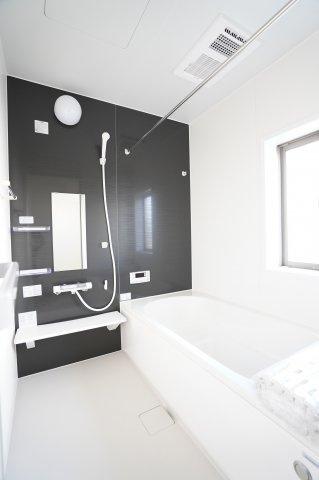 【同仕様施工例】浴室乾燥機付ですの一坪バスです。