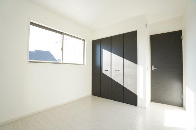 【同仕様施工例】2階 角部屋で明るいお部屋です。