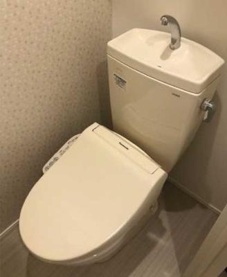 【トイレ】AKレジデンス三軒茶屋 敷金0 バストイレ別 独立洗面台 ロフト