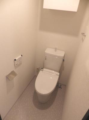 【トイレ】GENOVIA三軒茶屋green veil ペット相談 築浅 浴室乾燥機 オートロック