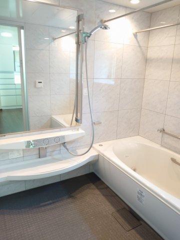 フルオートバス(ジェットバス) 広々としゆったりとご入浴いただけます 浴室乾燥機付