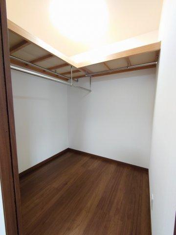 2階洋室には各室WICを完備しております