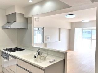 お料理しやすいキッチンですキッチンでお料理をお楽しみください 人気の対面キッチン!バックカウンター・食器洗浄機もあり、お料理を楽しめます