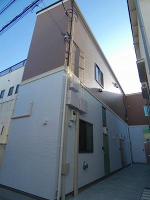 京浜急行線「雑色」駅より徒歩9分の築浅アパートです
