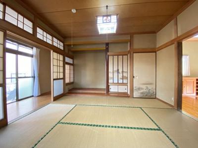 2間続きの和室。つなげて利用することも可能ですね。