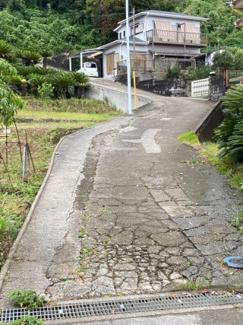 【前面道路含む現地写真】鴨川市天面(中古一戸建て)