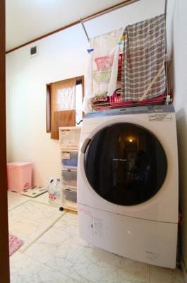 広々とした洗面室です 三郷新築ナビで検索