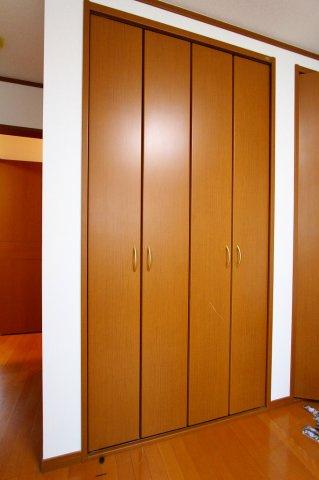 大きなクローゼット完備でお部屋すっきり 三郷新築ナビで検索