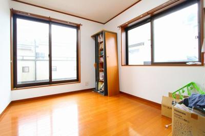 2階洋室(6帖)2面採光で陽当り良好 三郷新築ナビで検索