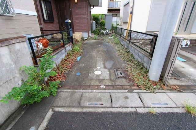 車をお持ちの方に嬉しい駐車場付きの物件です 三郷新築ナビで検索