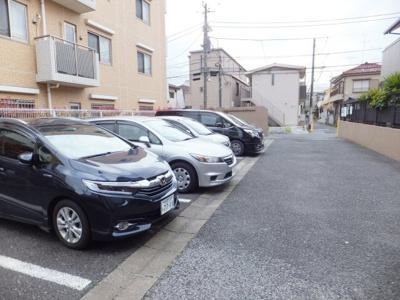 【駐車場】エクセル石井