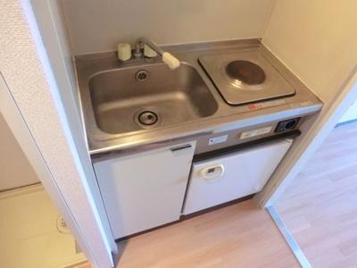 ☆1口電気コンロ&ミニ冷蔵庫付きです。☆