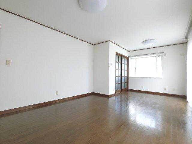 【居間・リビング】シャクナゲ邸