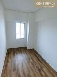 こちらは約4.1帖の洋室です。