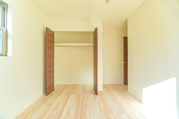 同仕様の収納! これだけ収納があるとお部屋の中もスッキリです。