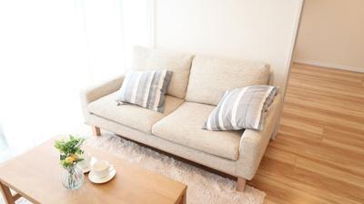 嬉しいソファー、家具付き♪