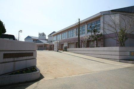 龍ケ崎市立中根台中学校